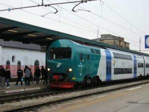 M5S: 'Riattivate la linea ferroviaria Asti-Alba'