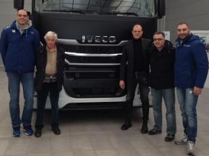 I giocatori del VBC Mondovì in visita alla Iveco Garelli