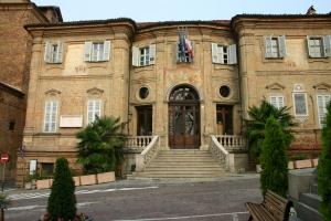 Quattro tirocini formativi in municipio a Bra