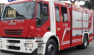 Auto in fiamme a Castiglione Tinella, intervengono i Vigili del Fuoco