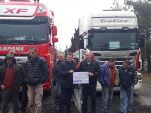 Decine di camionisti alla manifestazione contro la chiusura del col de Larche