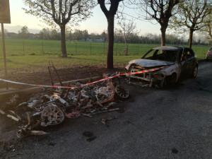 Difficile pensare a un caso: altre due auto incendiate a Cerialdo