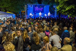 A Confreria torna la festa della birra con i Quinto elemento e gli ABCD Band