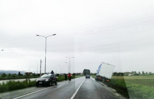 Camion esce di strada tra Tarantasca e Villafalletto