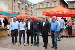 Alba: nuovi gazebo color arancione per il Mercato della Terra 'Italo Seletto'