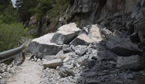 'Si intervenga sulla strada del Vallone di Elva per consentire la salita agli alpeggi'