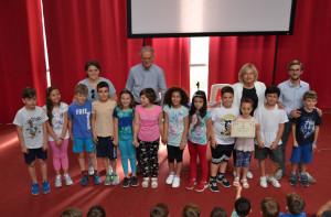 Alba: premiati gli studenti andati a scuola in Piedibus quest'anno