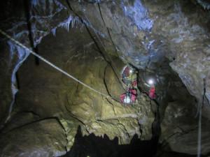 Soccorso ad un uomo in un fiume sotterraneo, esercitazione in val Corsaglia (LE FOTO)