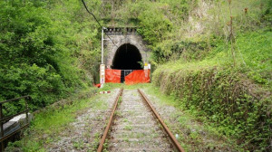 Riapertura ferrovia Alba-Asti: pronto il progetto di messa in sicurezza della galleria Ghersi