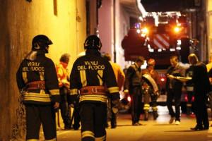Fugge da una comunità di Cuneo, a Milano minaccia poliziotti con una bombola del gas: arrestato