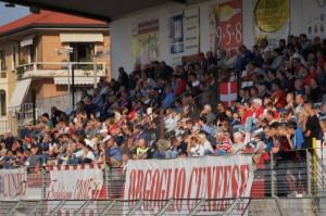 Presidio dei 'Fedelissimi' del Cuneo Calcio davanti allo Stadio