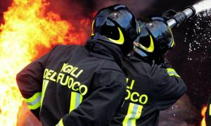 Guarene: a fuoco il bancone di un'officina di moto