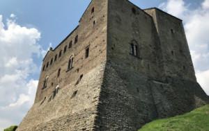 Laura Calosso presenta 'La stoffa delle donne' al castello di Prunetto