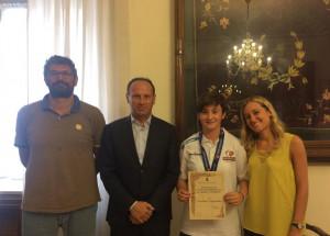 Borgo San Dalmazzo: premiata in Comune la giovane campionessa di basket Martina Peyrache