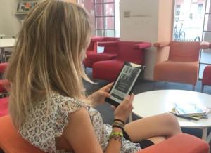 La biblioteca di Alba ancora più digitale: arrivano gli e-book reader