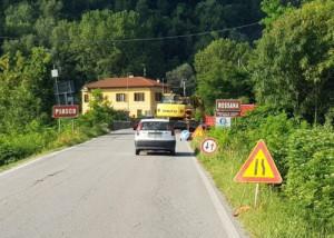 Lavori in corso sul ponte sul Varaita fra Rossana e Piasco