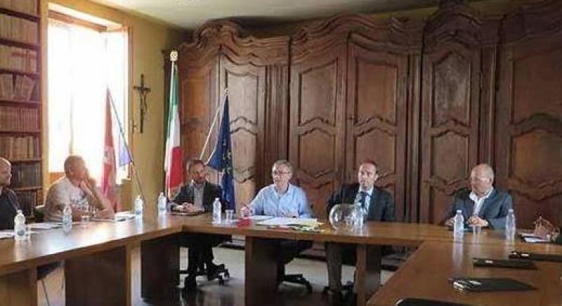 Ufficio Manutenzione Verde Arezzo : Manutenzione campi da calcio euro golf course
