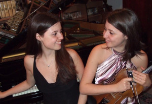 Due concertiste buschesi applaudite sulla costiera amalfitana