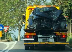 Incidente a Cuneo: auto ribaltata in via Savona, ferito il conducente