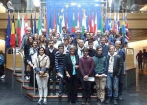 Sei alunni della classe quinta informatica dell'Itis Mario Delpozzo al Parlamento Europeo