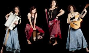 'Sebben che siamo donne': commozione e allegria a Busca nello spettacolo delle Madamé