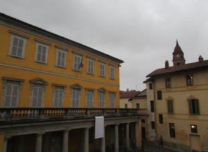 Bra: Palazzo Garrone in bianco per la lotta al tumore al polmone