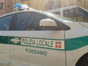 Chiede l'elemosina al mercato di Fossano, ma è ricercata per rapina: in manette una nomade