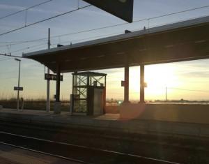 Ragazzino trovato morto vicino ai binari nei pressi della stazione di Centallo