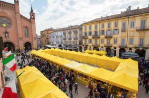 'Boom' di presenze al 'Campagna Amica Day' di Coldiretti ad Alba