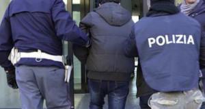 Arrestato truffatore seriale 'mammone' tradito dalle telefonate alla madre