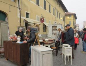 Domenica 2 dicembre il mercato dell'Antiquariato e del Collezionismo a Cherasco