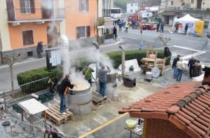 Nel weekend a Farigliano la fiera 'dei puciu' e di San Nicolao (VIDEO)
