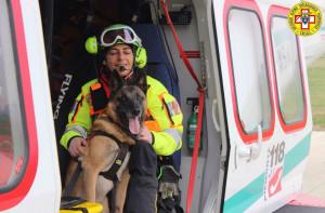 Da stamattina i cani 'salva vite' pronti a intervenire in caso di valanghe