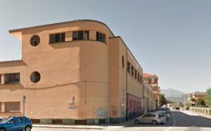 'Nell'ex teatro Gil roditori e volatili che mettono a rischio le condizioni di igiene dell'intera scuola'