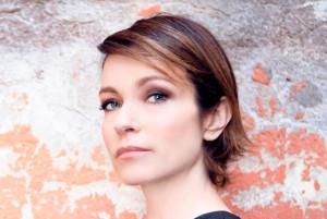 Bra: Stefania Rocca porta a teatro gli 'Esercizi di stile'