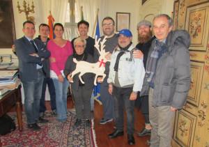 Le renne del Natale solidale di Bra arrivano in Comune