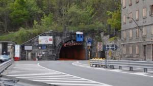 Nel pomeriggio chiuso per un guasto il tunnel di Tenda