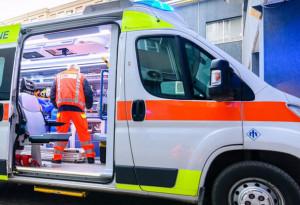 Frontale tra due auto a Savigliano: deceduta un'anziana