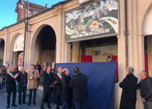 Svelato il pannello monumentale dedicato a Scarnafigi 'Città dei Formaggi'