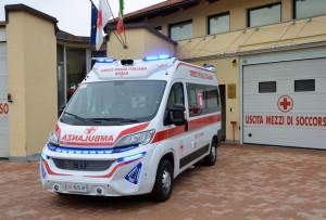 La Croce Rossa di Busca inaugura una nuova ambulanza