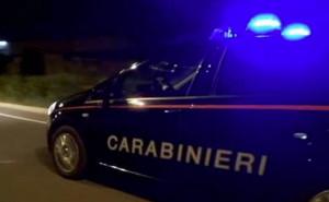 Inseguito dai Carabinieri con sei migranti a bordo, passeur fugge nella notte