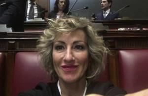 Monica Ciaburro (FDI): 'No alla fatturazione elettronica'