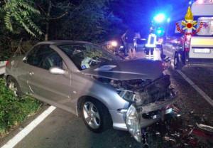 Tragedia nel Roero: 19enne morto in un incidente, gravemente feriti altri tre giovani