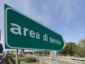 Cornuti e mazziati: non basta l'aumento dei pedaggi, sull'A6 chiuse cinque aree di servizio