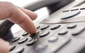 Al telefono si spacciano per dipendenti Egea e offrono contratti luce e gas, ma è una truffa