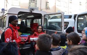 Busca, gli alunni della scuola primaria hanno incontrato i volontari della Croce Rossa