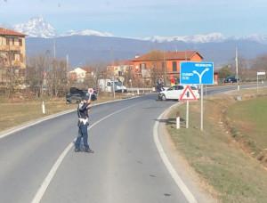 Scontro tra due auto a Madonna dell'Olmo, non ci sono feriti gravi
