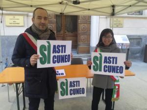 Da stamane il presidio permanente sotto la Prefettura per chiedere il completamento dell'Asti-Cuneo