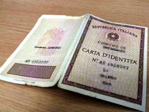 Circolavano con documenti falsi, arrestati sei moldavi tra Borgo San Dalmazzo e Dronero