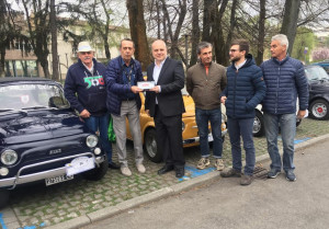 Oltre 140 Fiat 500 al partecipato raduno di Alba